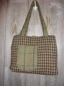 back of wool purse